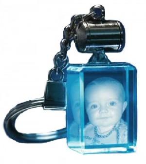 Porte clés rectangle lumineux bleu.