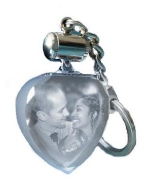 Porte clefs coeur lumineux blanc.